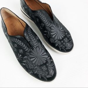 Gentle Souls Black Hanna Embroidered Slip On Flats